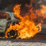 Grote brand bij autosloperij Nijmegen geblust