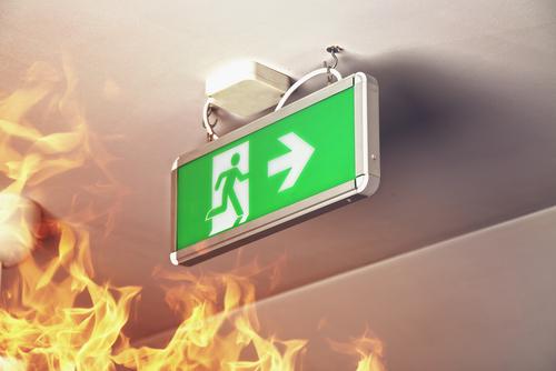 Bij brand geen lift gebruiken