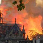 bouwvakkers rookten bij Notre Dame